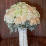 champagne and ivory roses